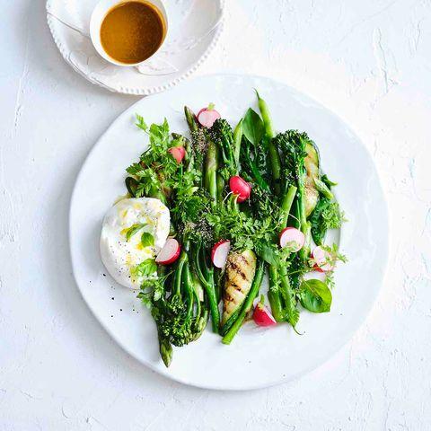 Grüner Gemüsesalat mit Kirschtomaten-Dressing