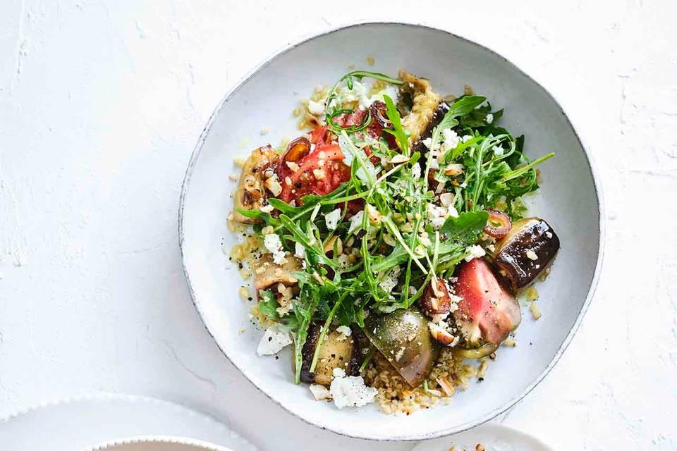 Auberginen-Bulgur-Salat mit Rauke und Tomaten Rezept