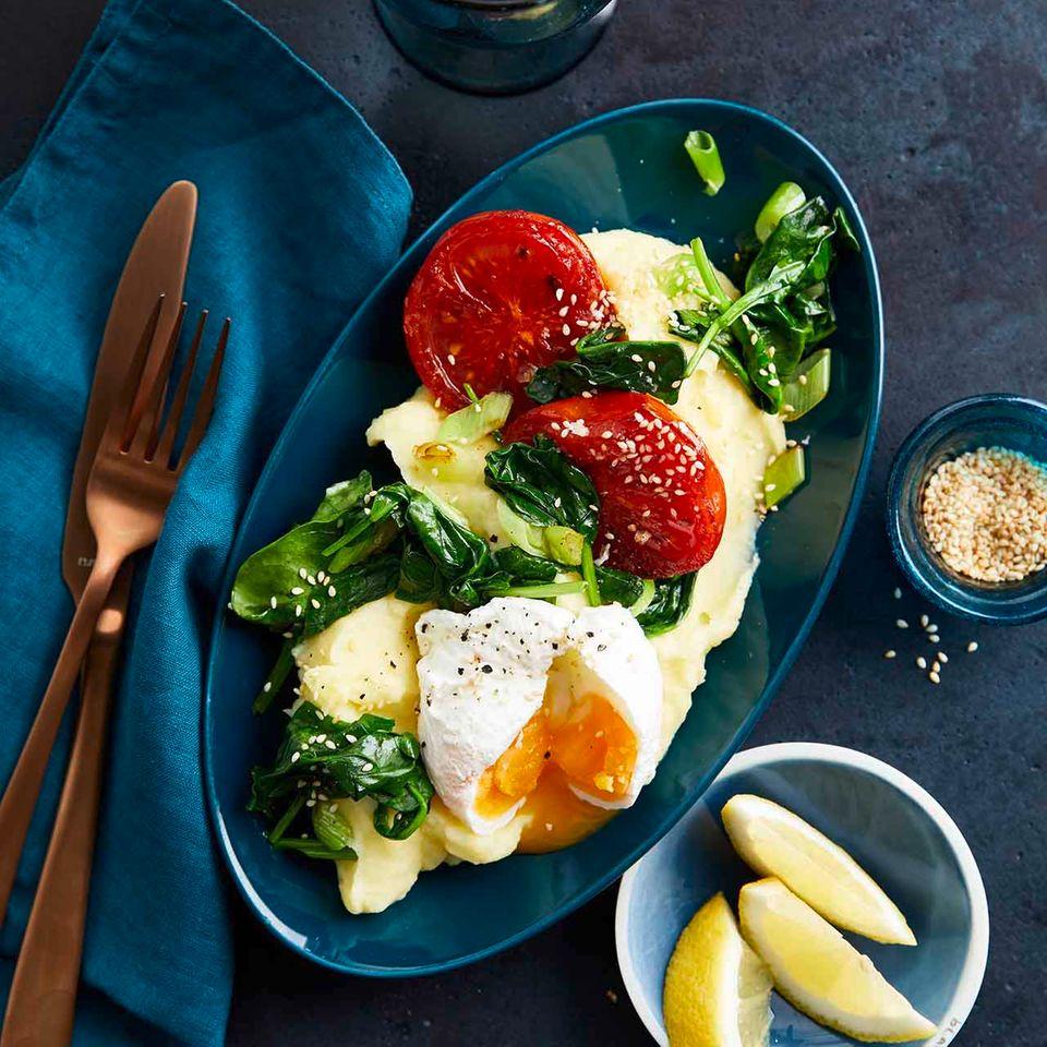 Zitronen-Kartoffelpüree mit pochierten Eiern