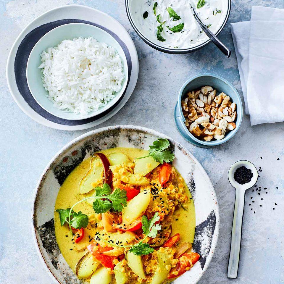 Schmorgurken-Curry mit Linsen