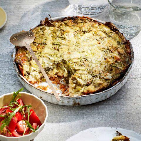 Spinat-Käse-Tarte mit Tomatensalat