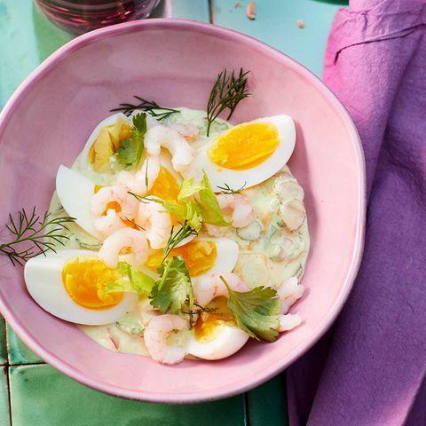 Curry-Eiersalat mit Garnelen