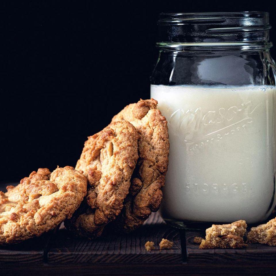Milch und Cookies