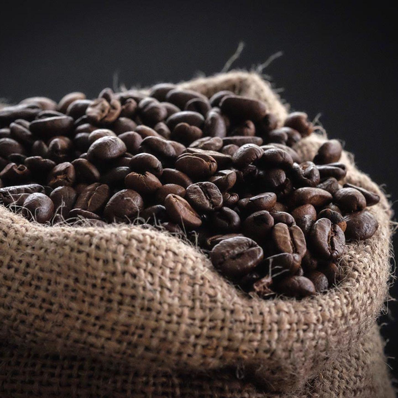 Kaffeebohnen in Kaffeesack