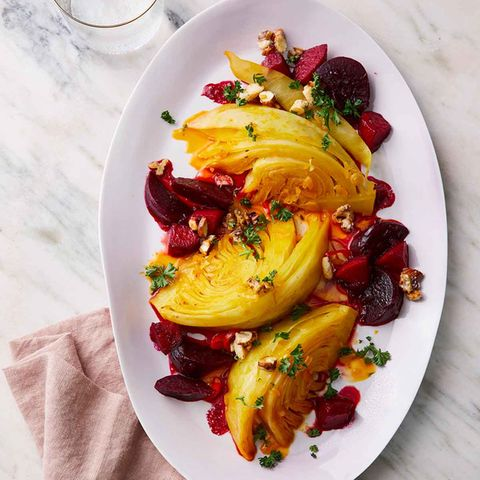 Geschmorter Weißkohl mit Rote-Bete-Apfel-Gemüse