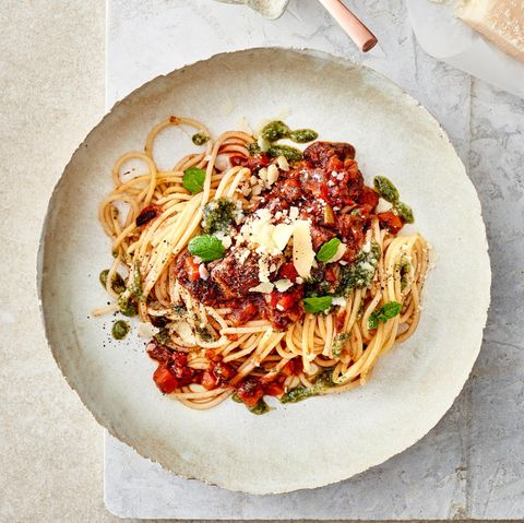 Spaghetti mit Lammragout