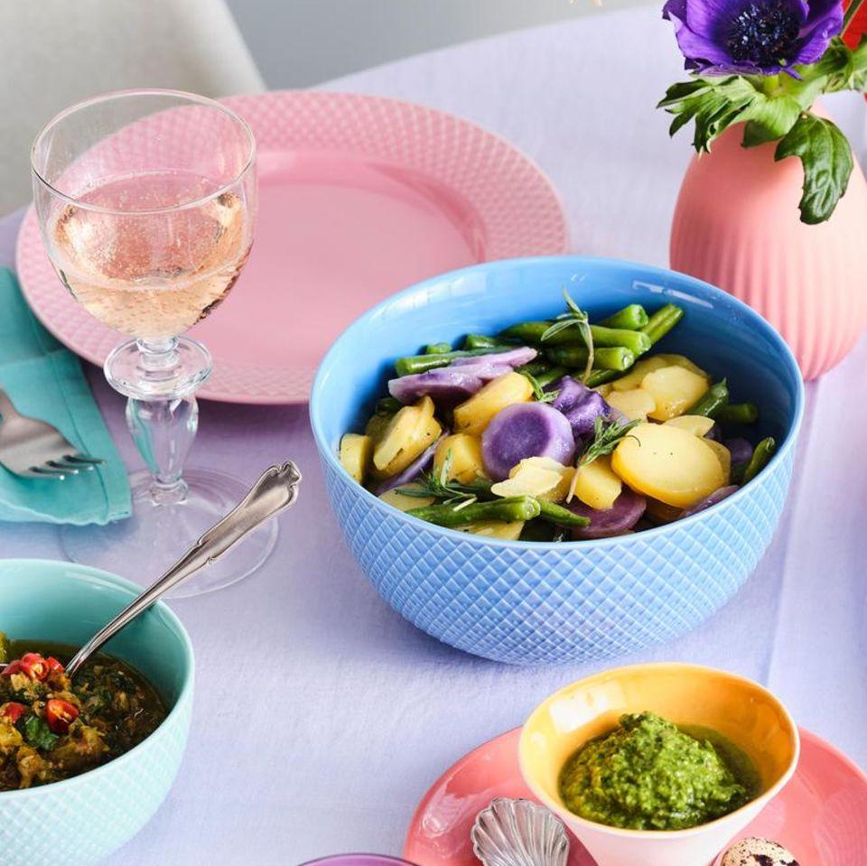Kartoffel-Bohnen-Salat mit blauen Kartoffeln