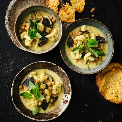 Gemüse-Curry mit Papadams