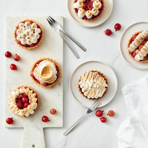 Stachelbeer-Meringue-Tartelettes