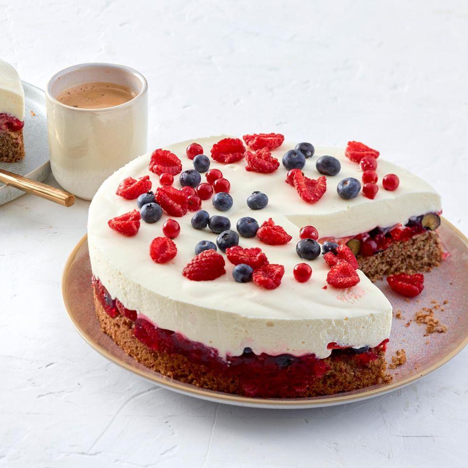 Beeren-Joghurt-Torte