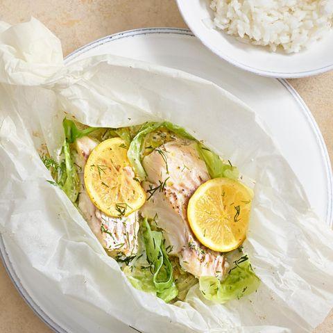 Fischpäckchen mit Spitzkohl