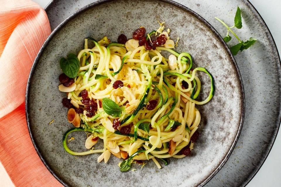Spaghetti mit Zucchini und Mandeln Rezept