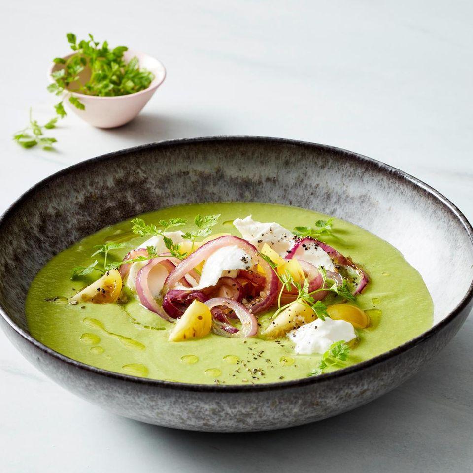 Gazpacho verde mit Burrata