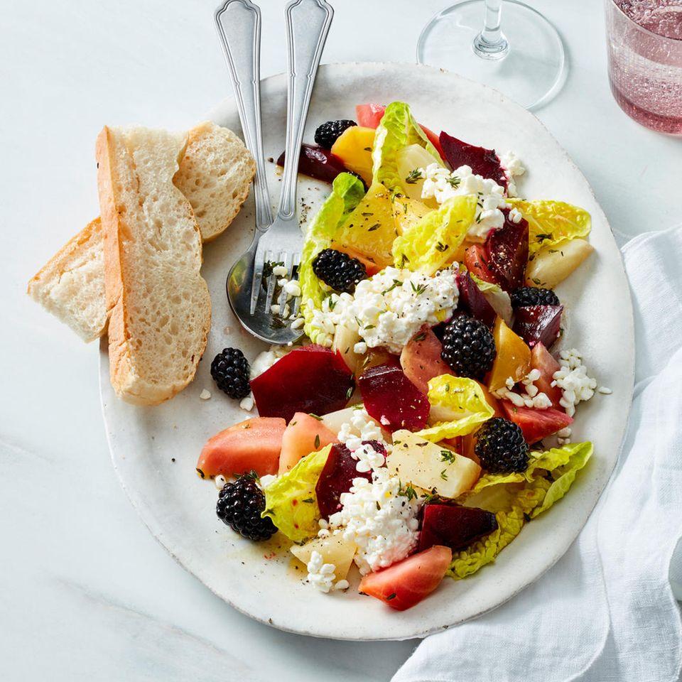Bunte-Bete-Salat mit Brombeeren