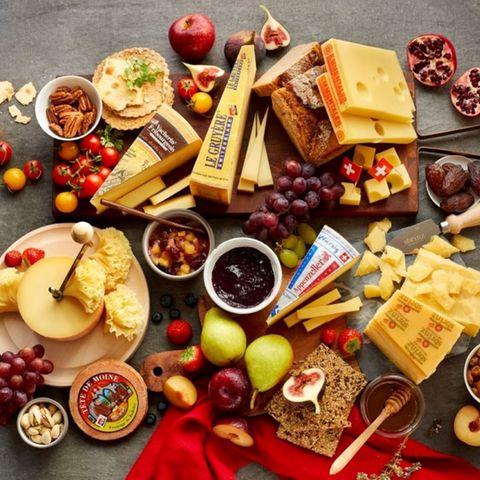 Gewinnspiel: Gemeinsam Genießen: 5 Tipps für eine Käseplatte, die in Erinnerung bleibt