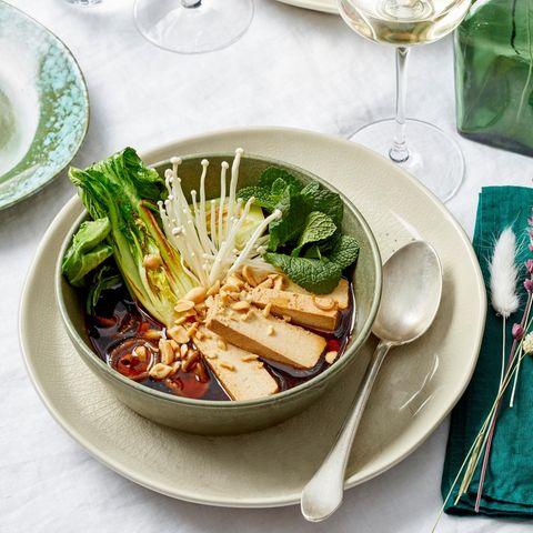 Tofu mit Miso-Lack in Shiitake-Bouillon