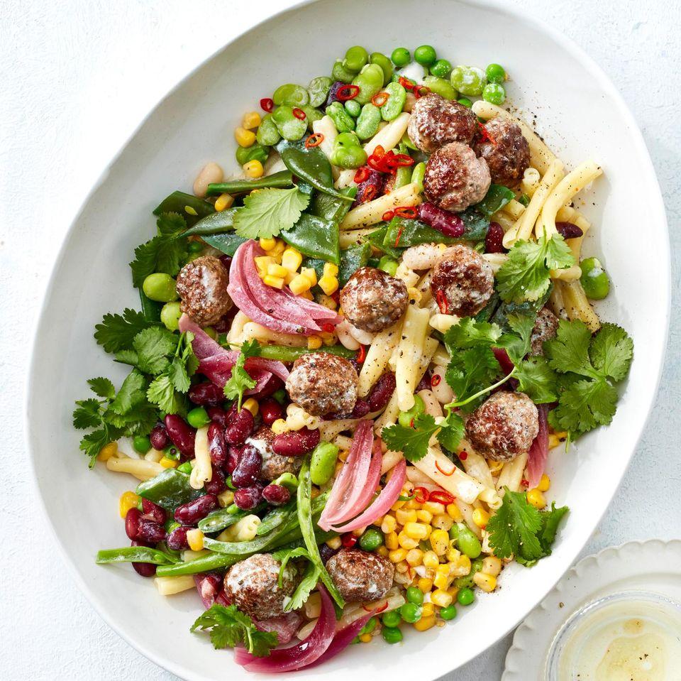 Pasta-Bohnen-Salat mit Polpettine