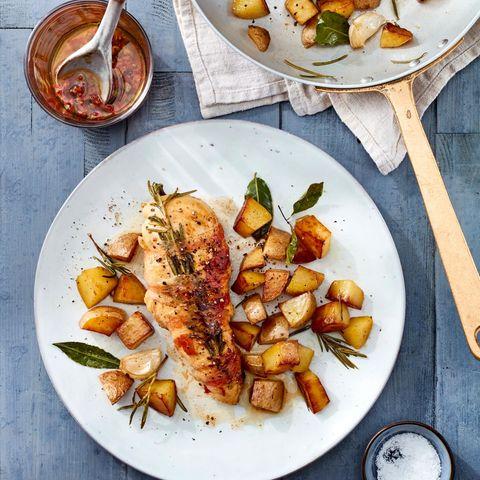 Hühnerbrust mit Rosmarin und Pancetta