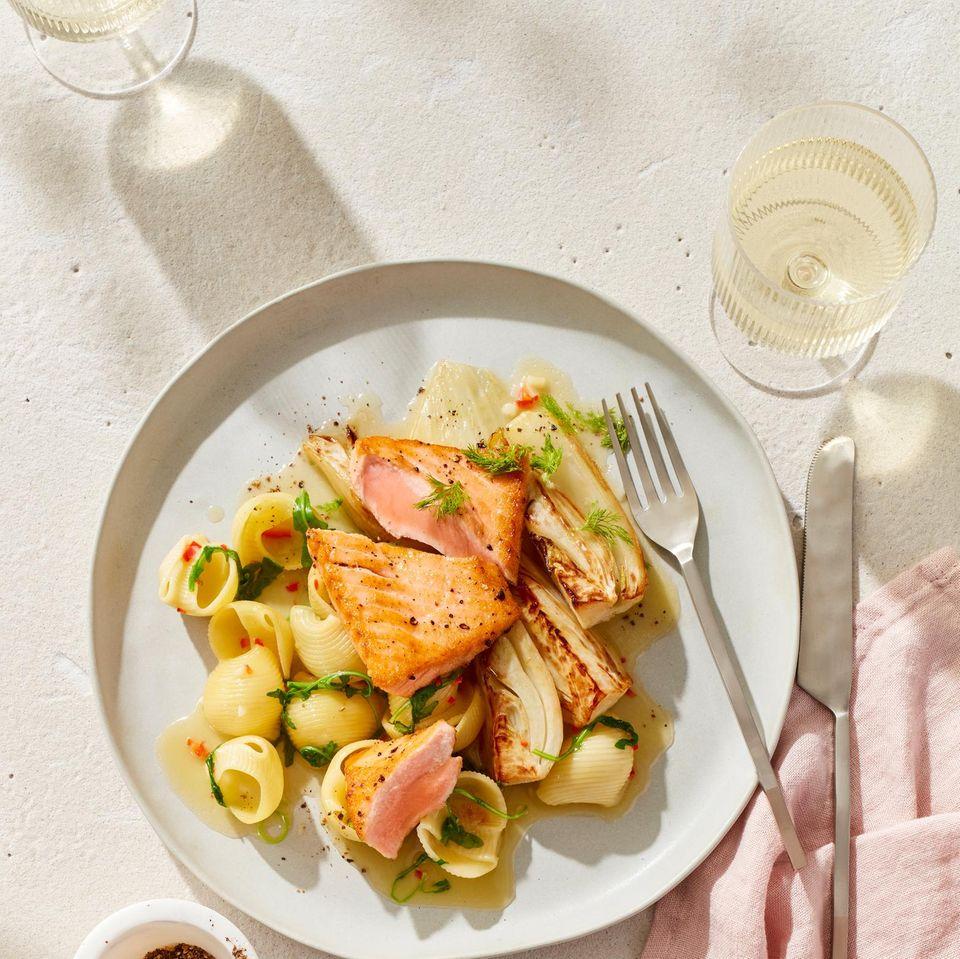 Lumache Rigate mit Lachs und Fenchel