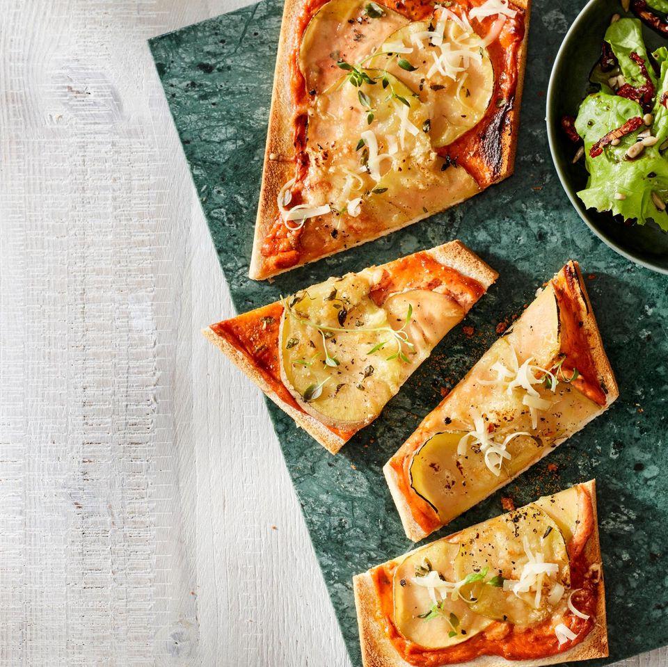 Tramezzini mit Käse, Kräutern und Kartoffeln