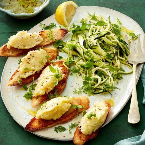 Brandade vom Kabeljau mit Zucchini-Kräuter-Salat