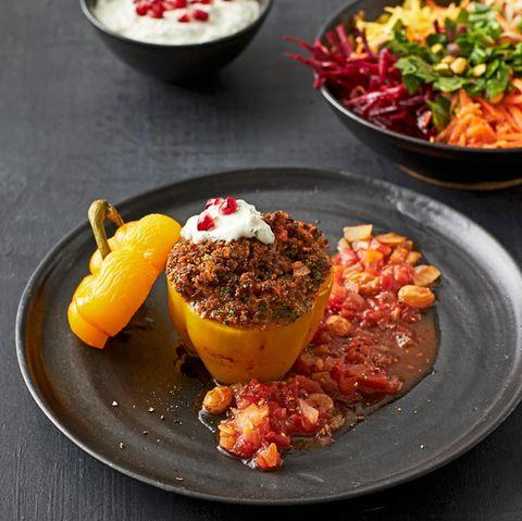 Gefüllte Paprika mit Bulgur und Hackfleisch
