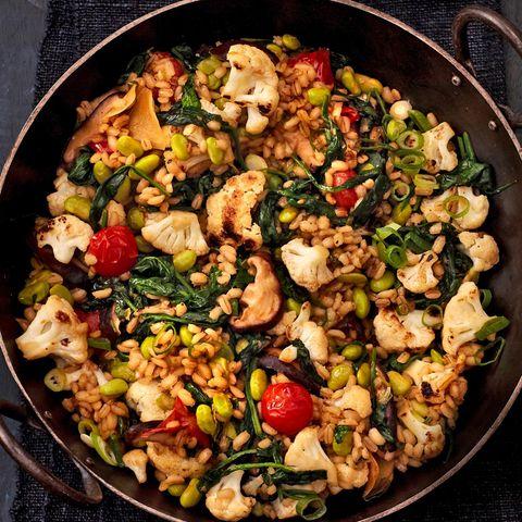 Gemüse-Wok mit Gerstengraupen