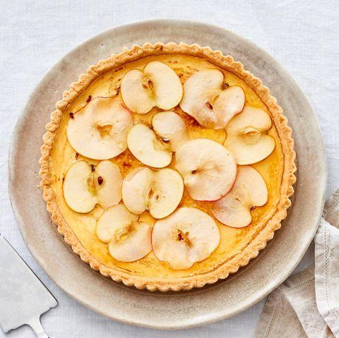 Apfel-Tarte mit Wein-Gewürz-Gelee