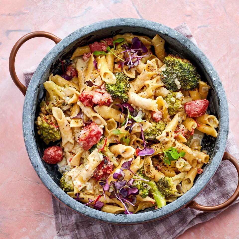 One-Pot-Pasta mit Salsiccia und Romanesco